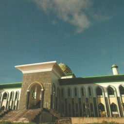 masjid al munawwar ternate depan