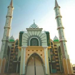 masjid raya syuhada depan